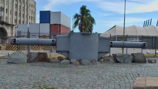 Picture by D. Dears of Graf Spee range finder, Montevideo, Uruguay