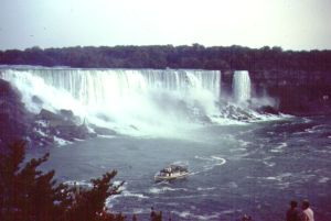 Niagara Falls, with Maid of Mist. Photo by D. Dears